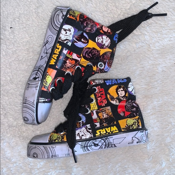 Used once at Disneyland size 7 converse STAR WARS